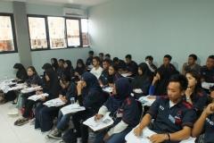 Para Peserta Program PKKU yang sedang belajar Bahasa Korea